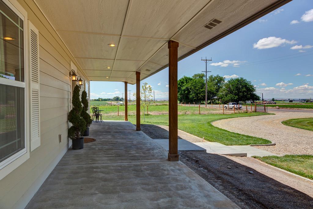 3349 front porch